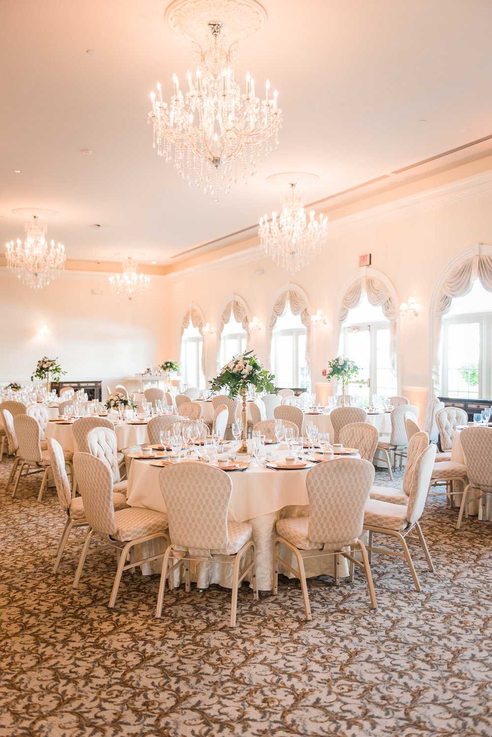 White and Blush wedding at Ashton Gardens Houston
