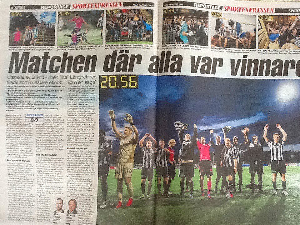 """The match where everyone were winners"" - Expressen center spread the day after the match against IFK Göteborg."