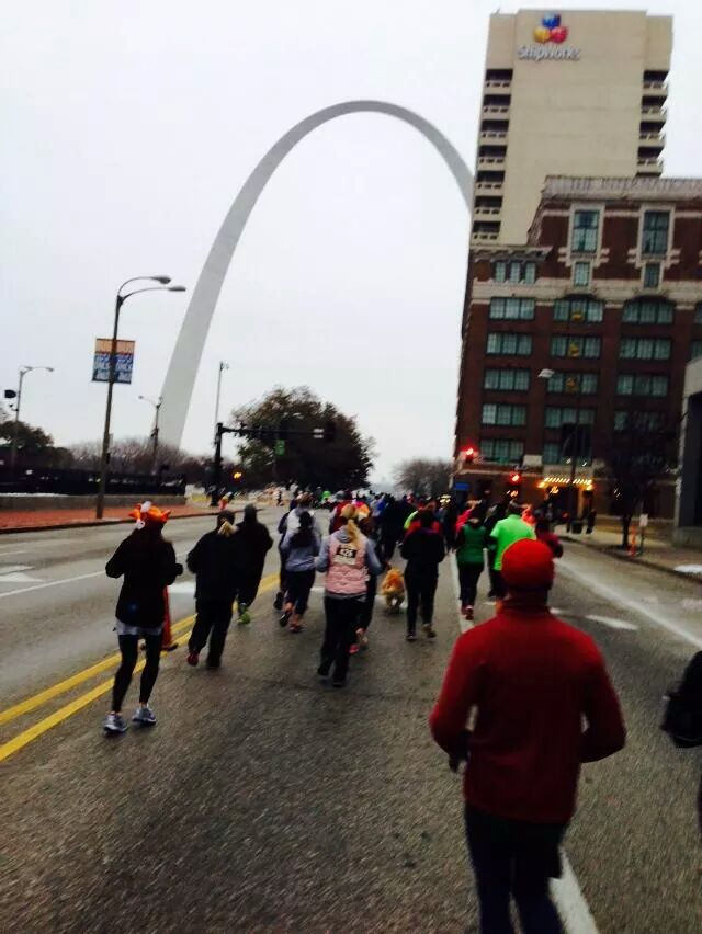 Running toward the arch! (Photo credit: Sam Klotz)