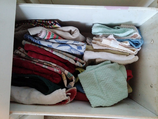 Drawer of towels - yes, I do like them better standing up.
