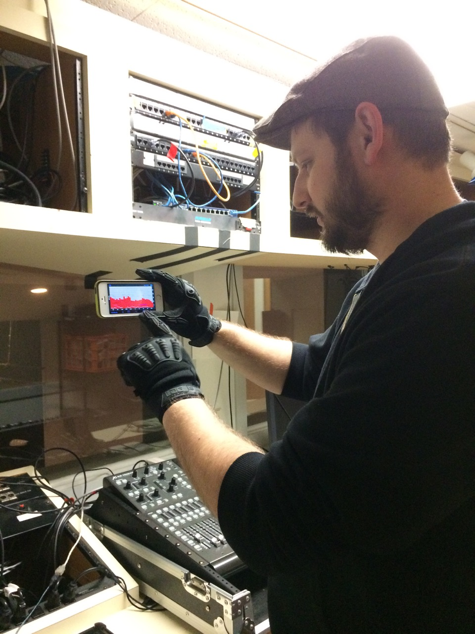 Steve Younkins at work with his always accessible pair of Gig Gloves ONYX