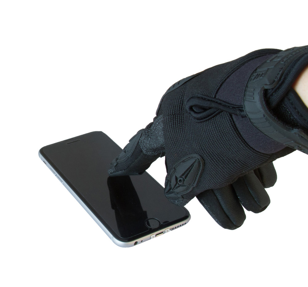 Works with a touchscreen with fingers covered or uncovered.