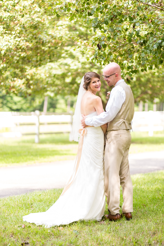 virginia wedding photographer in richmond at hunting hawk golf club