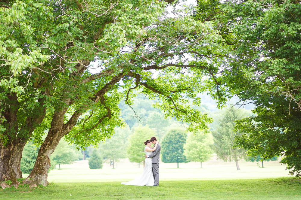 Outdoor Wedding Photographer in Richmond VA