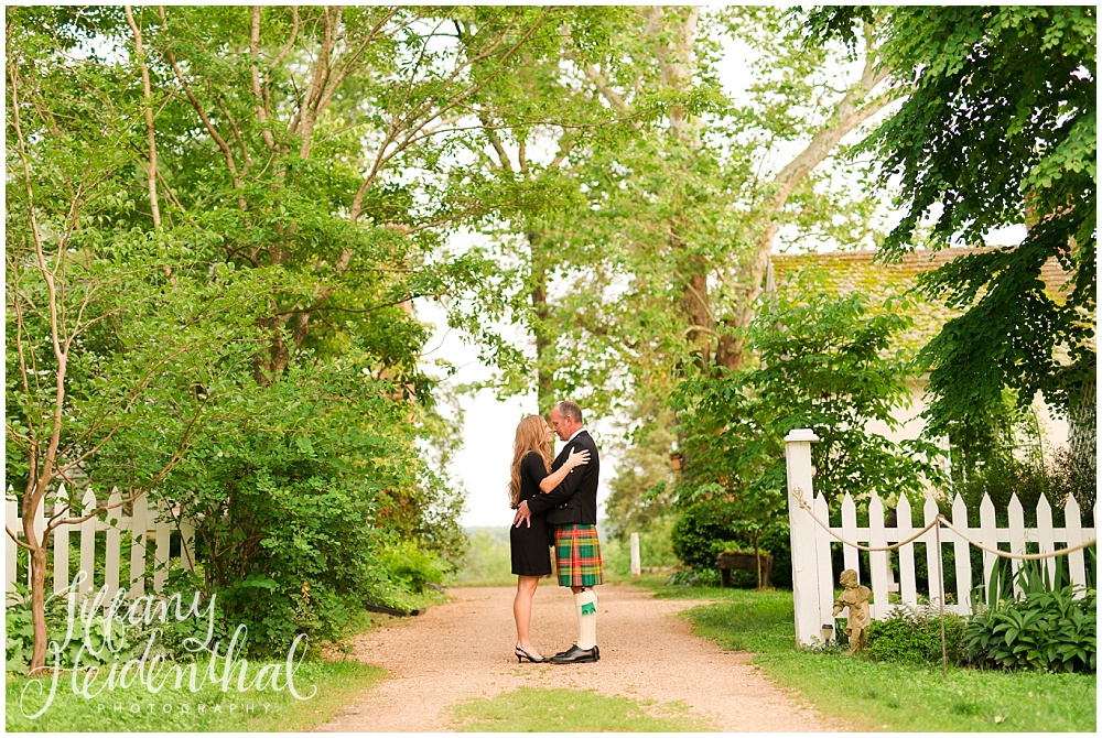 Tuckahoe Plantation Engagement Session-4.jpg
