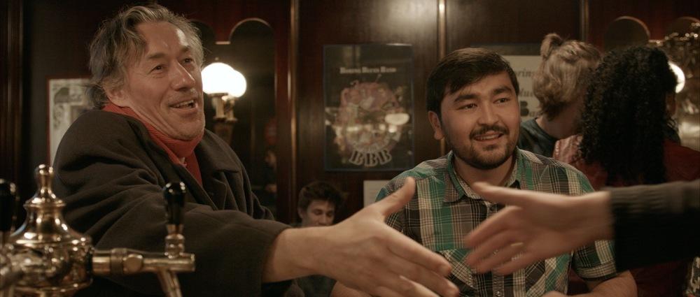 """Standbild aus dem Musikvideo """"Mozad"""""""