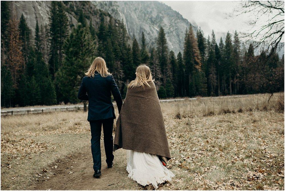 yosemite national park adventure elopement | adventurous destination wedding photographer | naomi levit photography | naomilevit.com