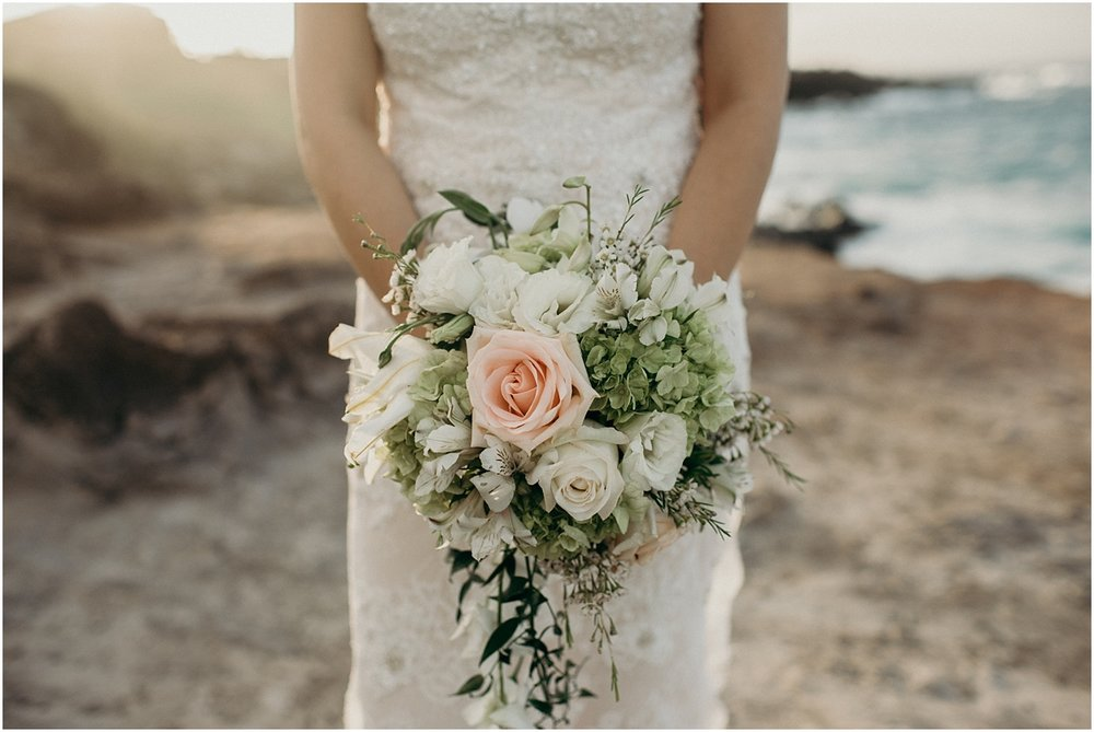maui beach wedding at ironwoods beach by maui wedding photographer naomi levit