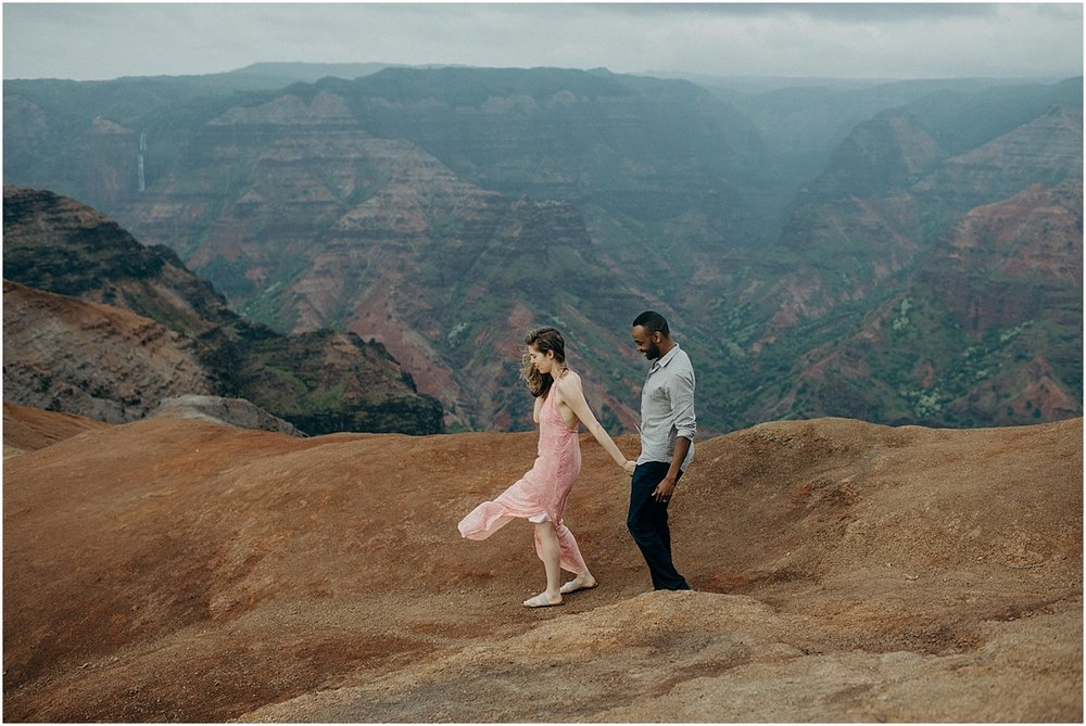 kauai-honeymoon-adventure-session-at-waimea-canyonnaomi-levit-maui-wedding-photographer_0264kauai-honeymoon-adventure-session-at-waimea-canyon.jpg