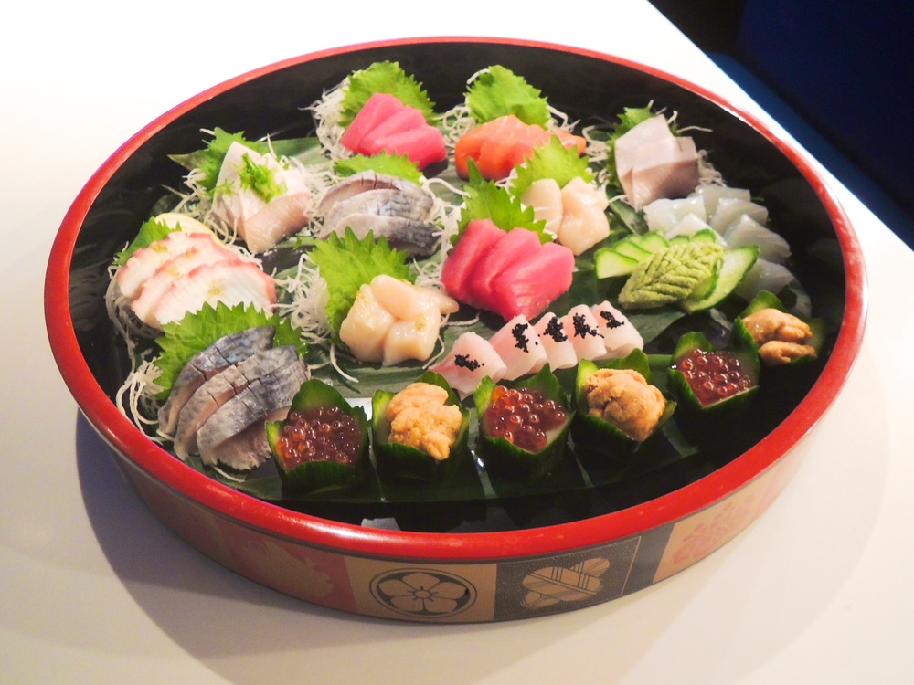 Sashimi Mori (platter): Please order in advance. Content is chef's choice.