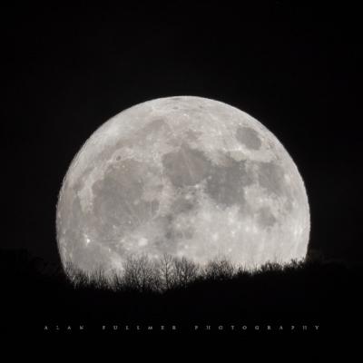 Super moon by Alan Fullmer