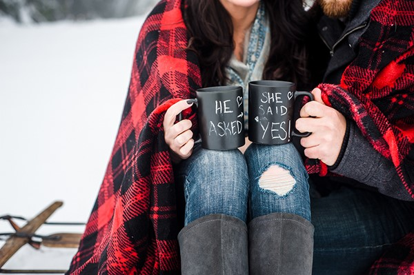 winter-engagement-photos-ideas.jpg