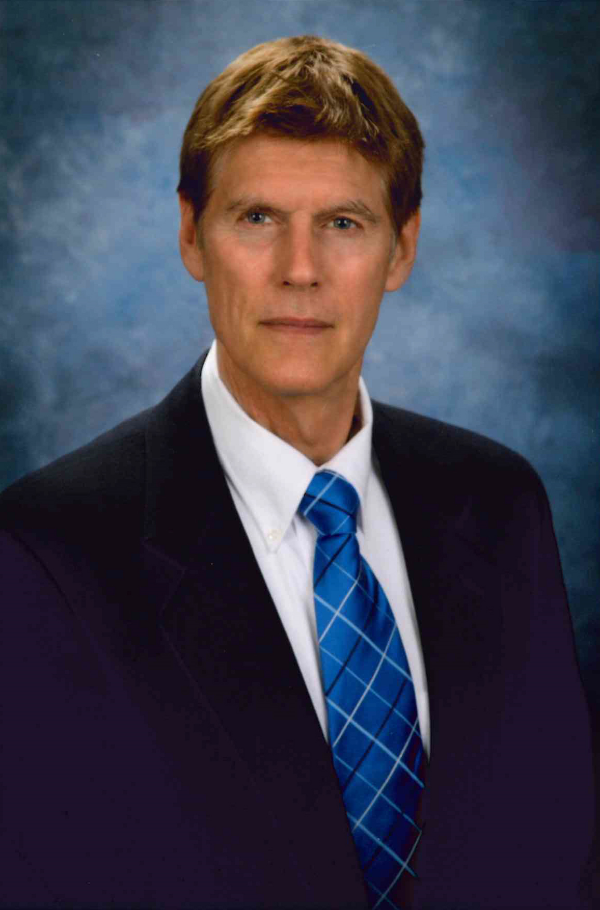 Dr. Richard Roach attended the University of Wisconsin-Madison Medical School and completed his residency at the University of Wisconsin-Madison Hospital and Clinics. After graduation, Dr. Roach moved to Minocqua, Wisconsin and joined the Marshfield Clinic, where he practiced for the next 26 years.In 2013, he moved to Florida and is currently a partner in Advanced Urology Institute. He is certified by the American Board of Urology. His specialties include plasma vaporization for BPH, treatment of female stress incontinence and penile prosthesis for ED. He is also an expert in laser & laparoscopic surgery.