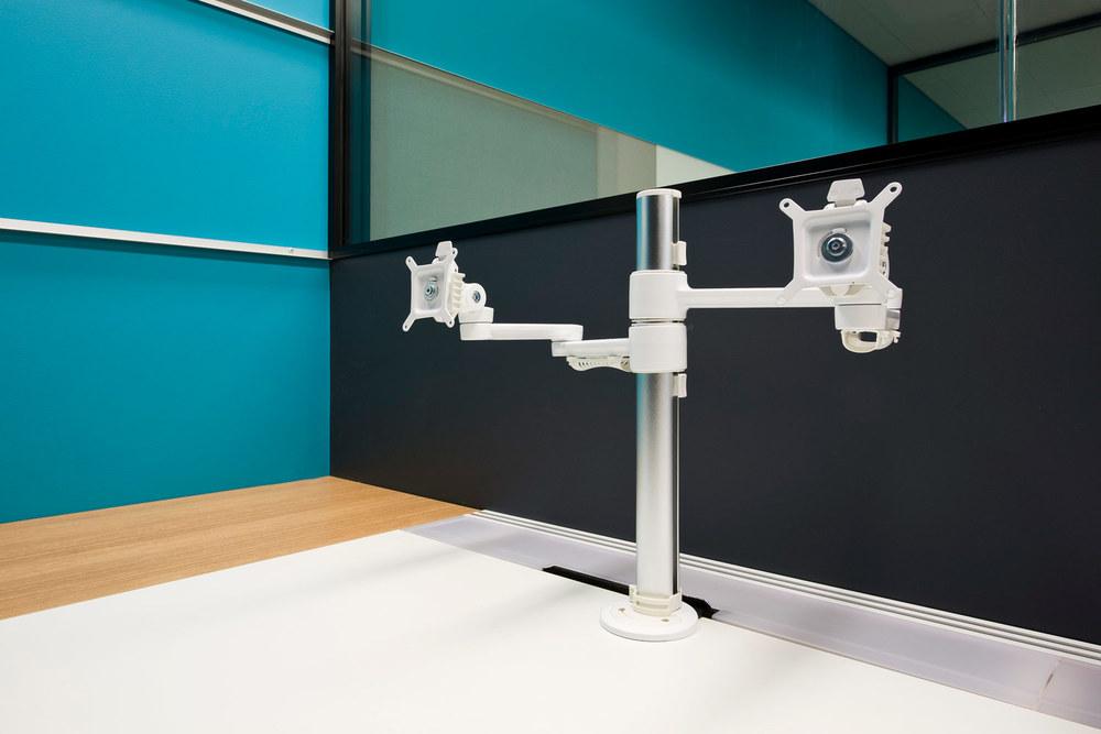 C.ME dual monitor arm