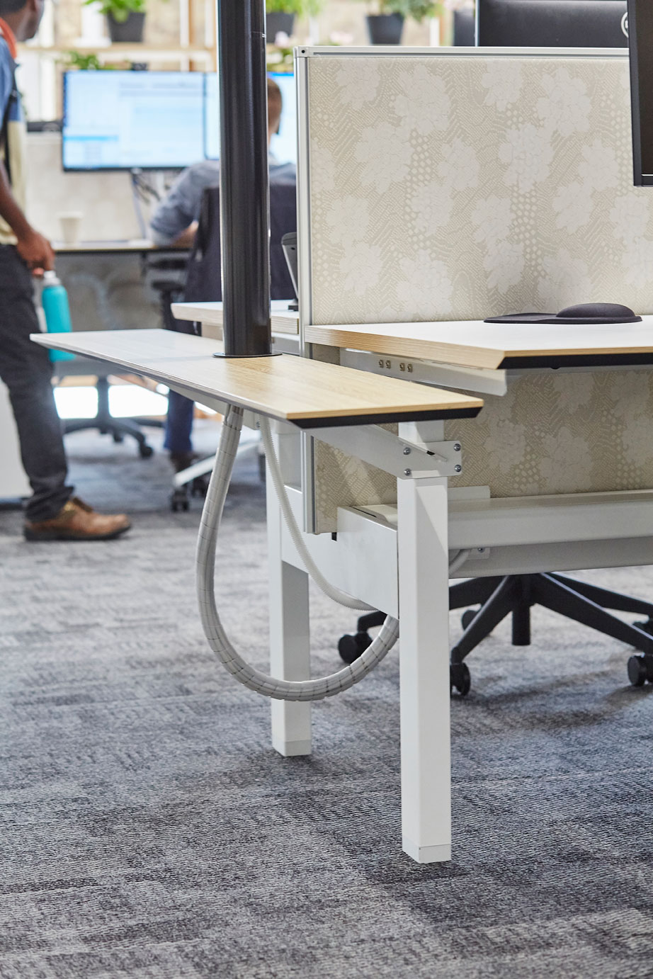 ACTIF electric height adjustable workstations