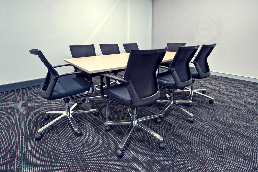 Tok-Tok table, T50C meeting chairs