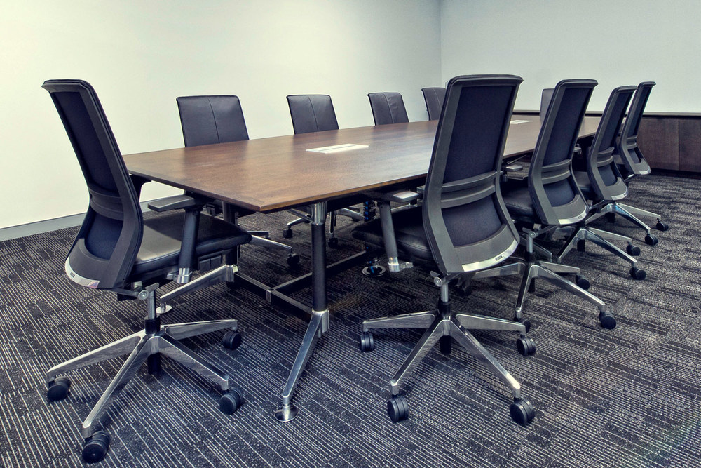 Tok-Tok table, Vin leather boardroom chairs