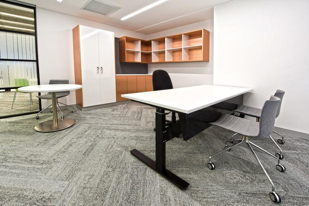 Actif height adjustable desk
