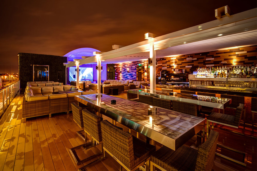 Touche Restaurant & Rooftop Lounge