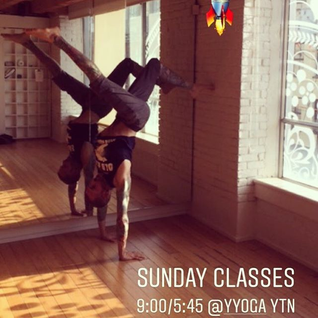 Sunday classes..... 9:00/ 5:45 Rocket @yyoga YTN #rocketyoga #radyogagear