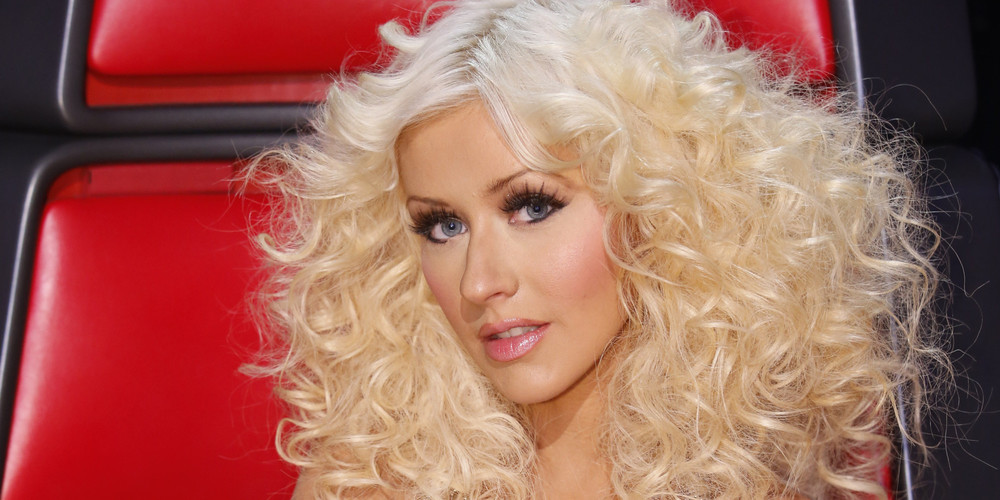 Christina has done it all- including frizzy curls, but this classic style is my favorite.
