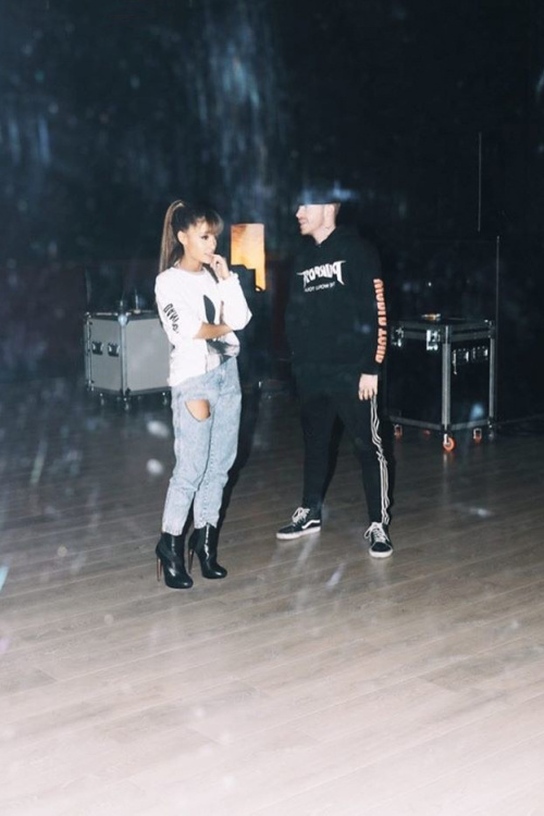 Ariana_Grande_Dangerous_Woman_Tour_4.jpg