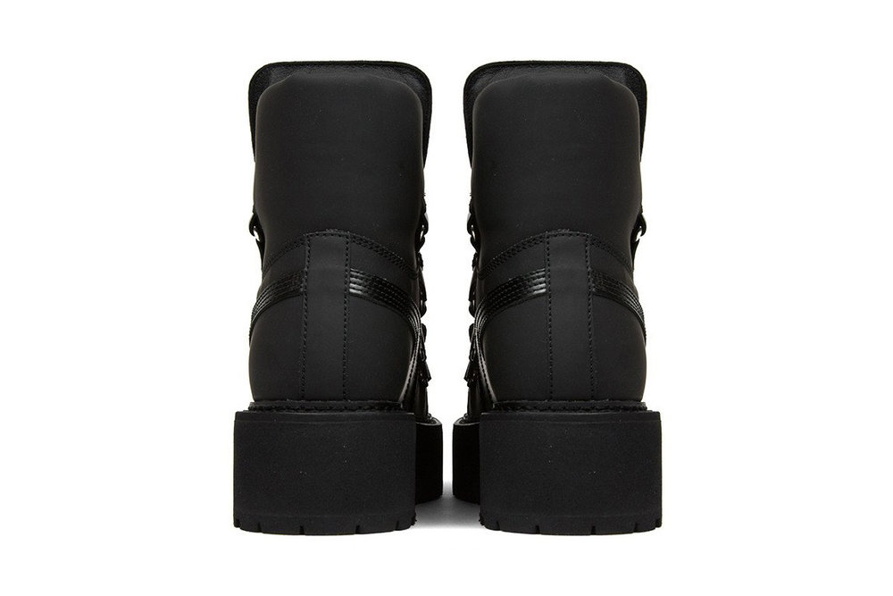karicruz.com_rihanna_puma_sneaker_Boot_1.jpg