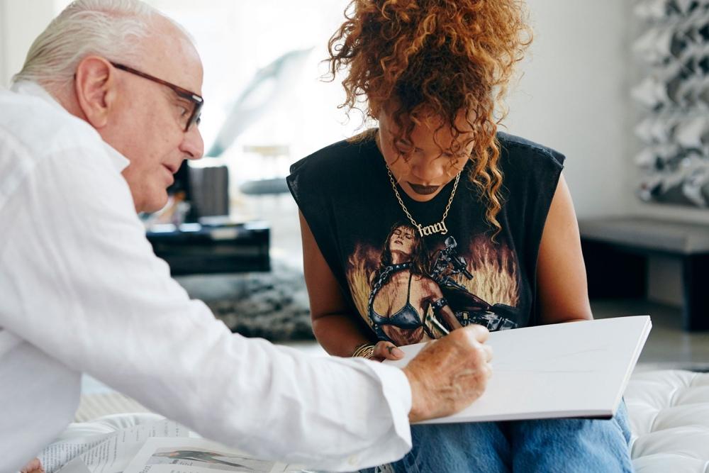 Rihanna_Manolo_Blahnik_Denim