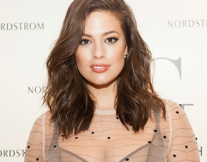 karicruz.com_ashley_graham_red_carpet_WOTY
