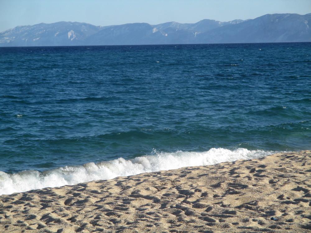 2016-07-17 12.14.35 blue sea beach orosei.jpg