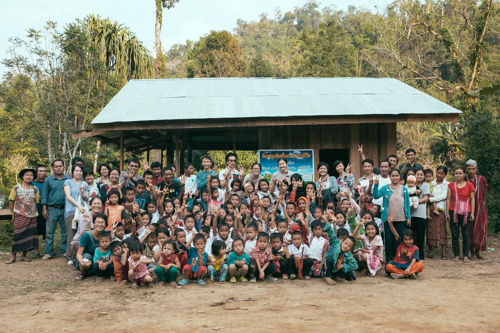 Ewijo 部落圖書館落成,學校師生與來自台灣的訪客、TBCAF 和 Glocal Action 的夥伴們一同慶祝!
