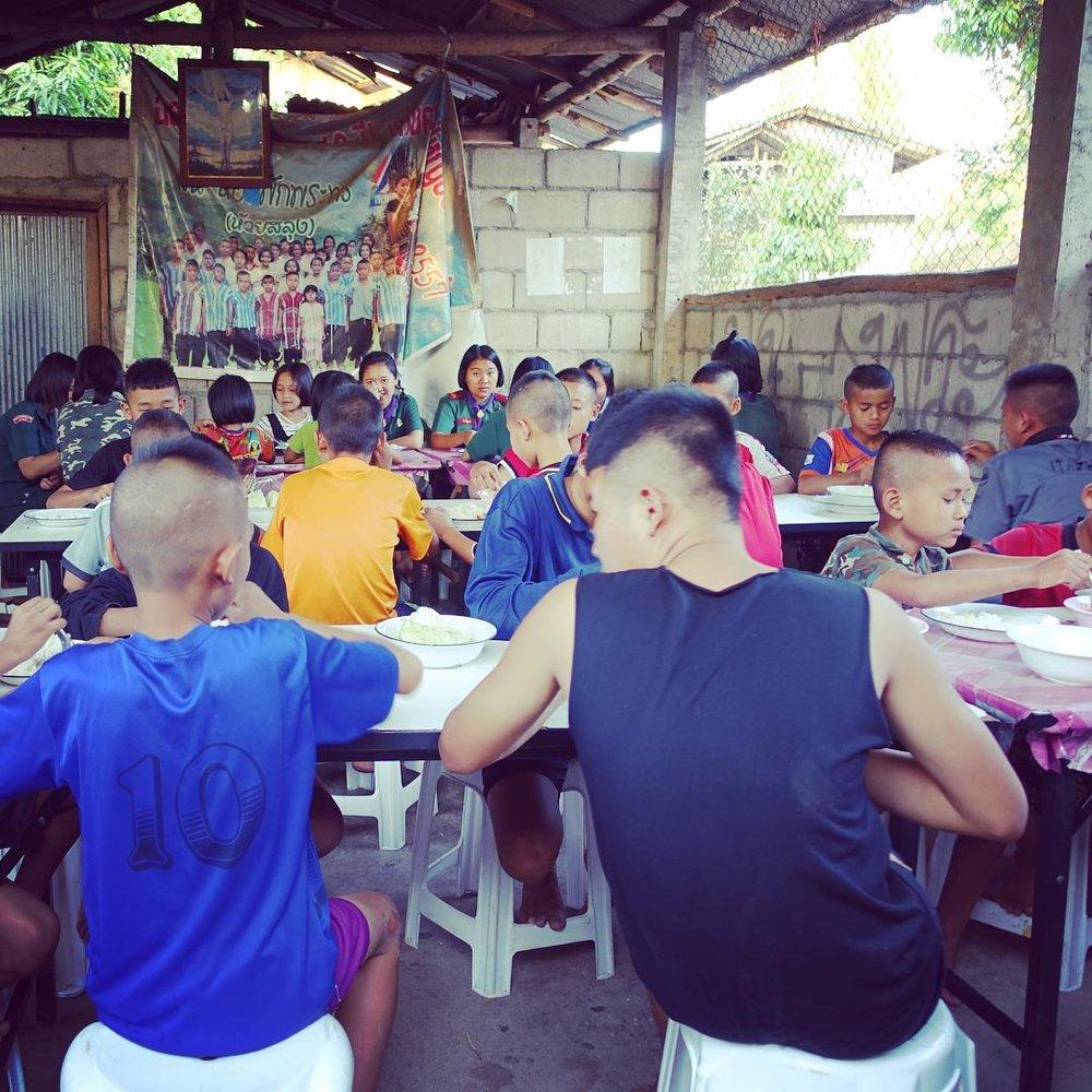 帕蓬宿舍:邊境弱勢孩童、青少年在此寄宿,在異鄉有了就學與照顧。(攝影/Mandy Wang)