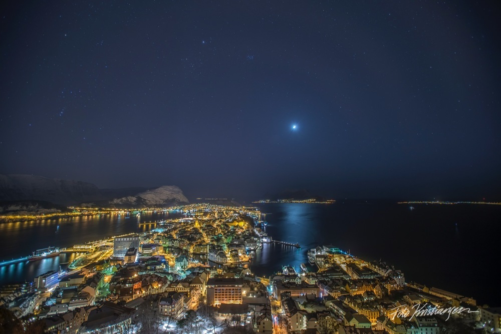 Sterne Måne i molja natt fra Fjellstua_DSC9569 copy.jpg