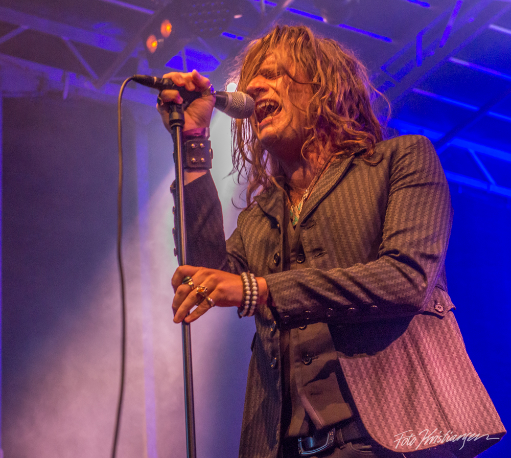 Rival Sons vocal_DSC6047.jpg