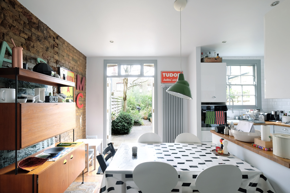 AN ART DIRECTOR AND A CREATIVE DIRECTOR'S HOME IN EAST LONDON