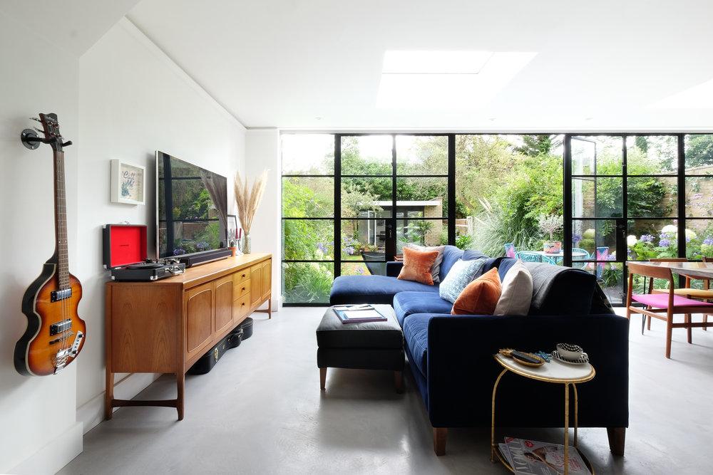 A Stylist's garden flat in queens park, london