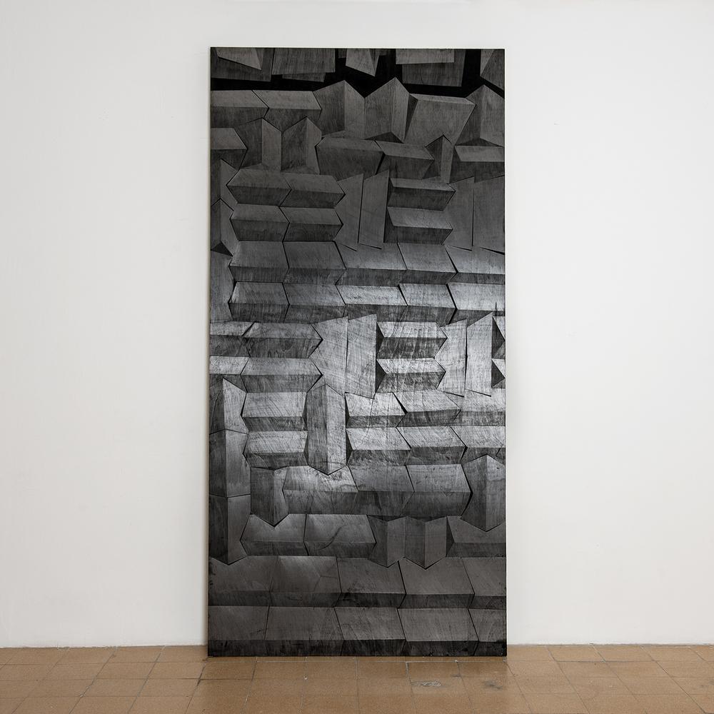 מתוך הסדרה 'קירות אקוסטים', פחם וגרפיט על עץ, 250X122 סמ 2014.jpg