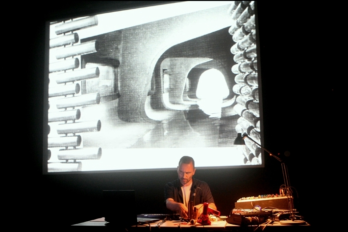 A LECTURE ON ARCHITECTURE_performance_2012.JPG