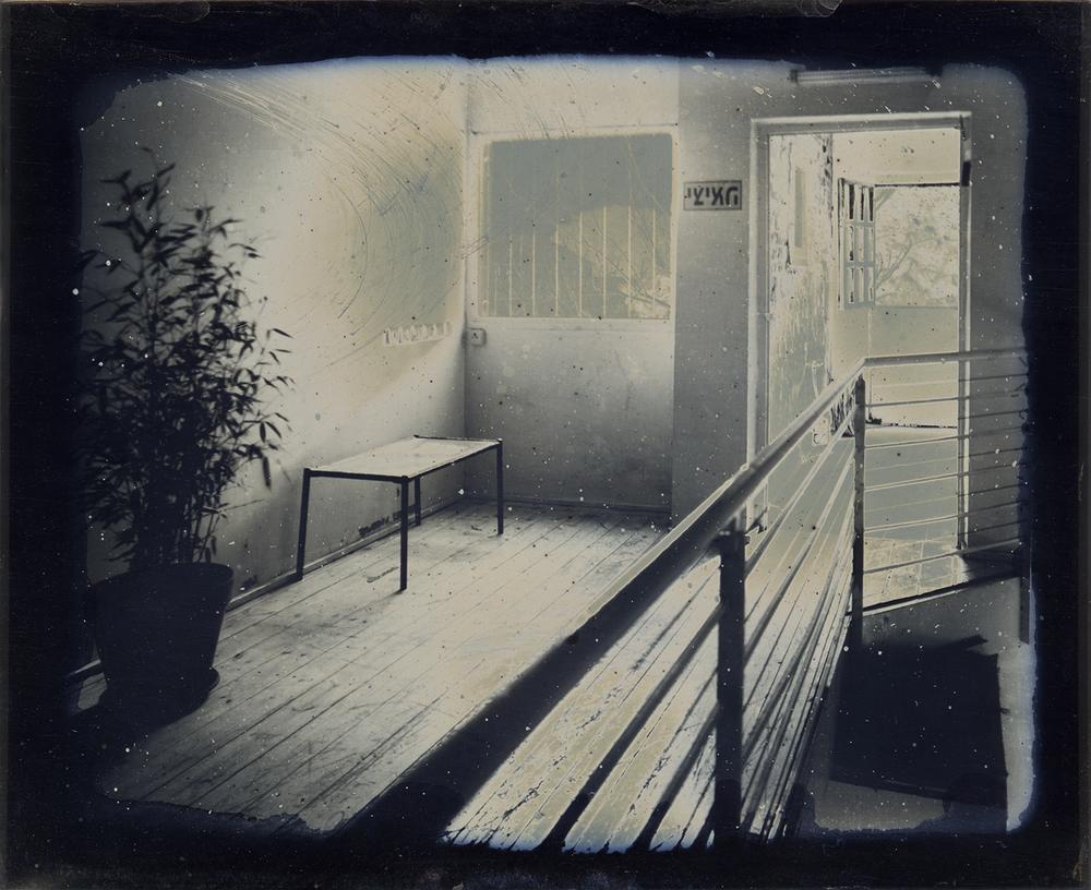 מסדרון, דפנה גזית.jpg