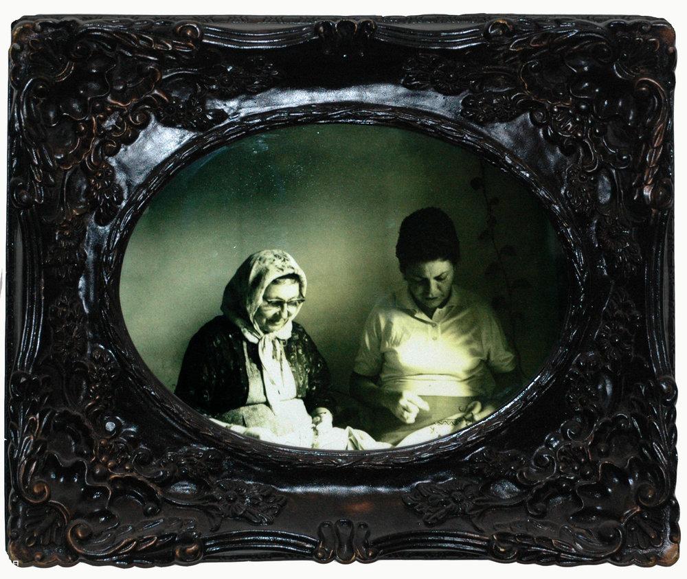 סבתא וברוכה.jpg