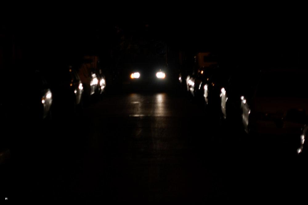 מכונית בלילה.jpg