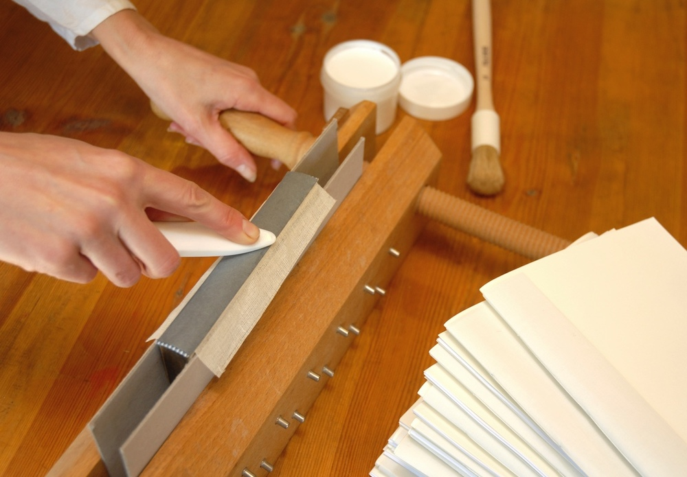 Bookbinding Classes (5).jpg