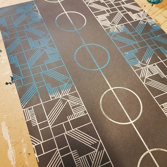 More cnc and jesmonite infill test. Must plan more, fucked the infill up twice. And made a lorra mess. * #designasyougo #alsoadam #jesmonite #blues #coffeetable #interiordesign #geometric #valchromat #cnc #patterns