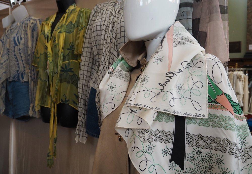 Zandra Rhodes scarf from @shlittlesistervintage