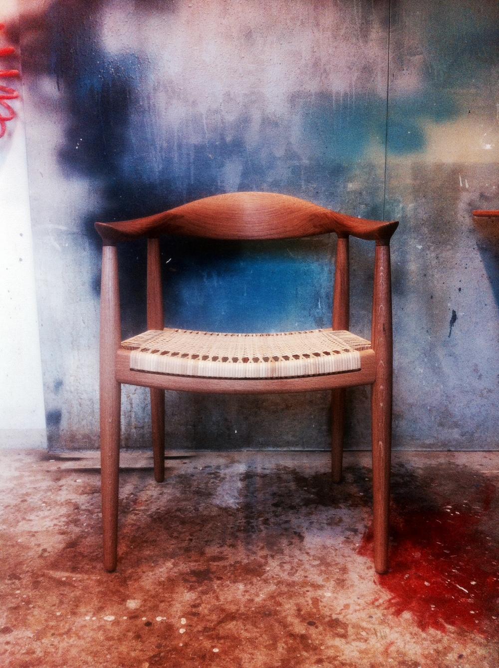 """Min tolkning af """"Den runde stol"""" af Hans J. Wegner. Tillykke med de 100 år."""