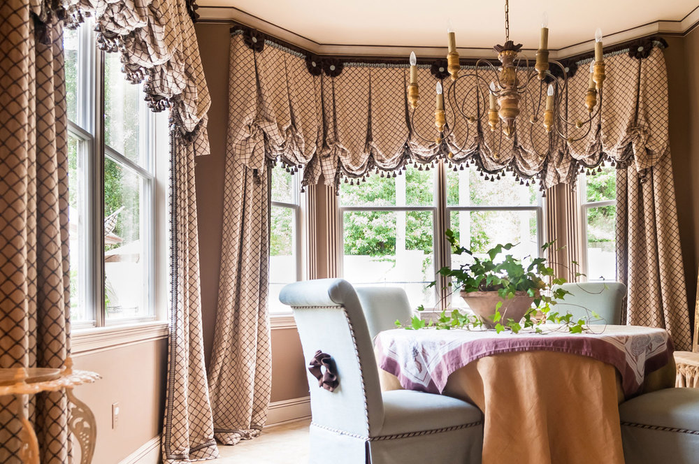 Dining Room Courtain & Valance