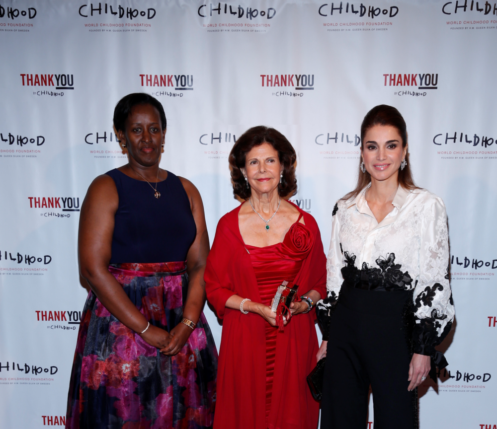 HM Queen Silvia (C), HM Queen Rania of Jordan (R), with HE First Lady of Rwanda, Jeannette Kagame (L)