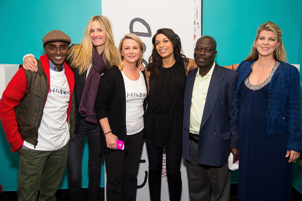 (L-R) Chef Marcus Samuelsson, Childhood USA Board Member Christine Mack, Childhood USA President and CEO Joanna Rubinstein, Actress Rosario Dawson, Executive Director of WHDC Kofi A. Boateng, and Co-Founder of ThankYou by Childhood Karini Gustafson-Teixeira.