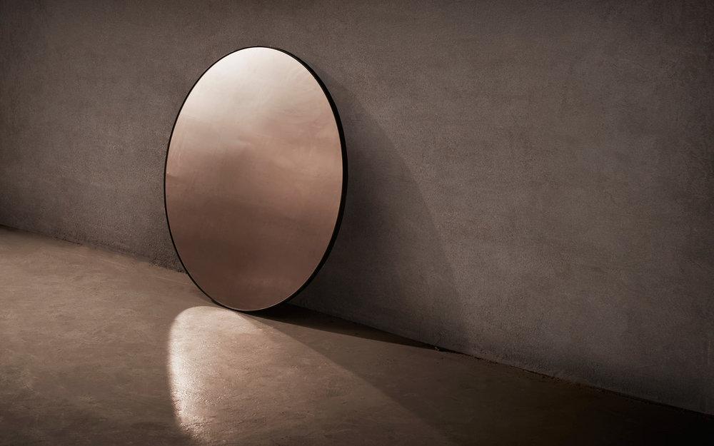 NOVOCASTRIAN_Port Round Mirror2.jpg