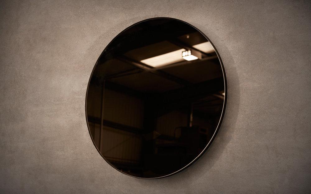NOVOCASTRIAN_Port Round Mirror.jpg